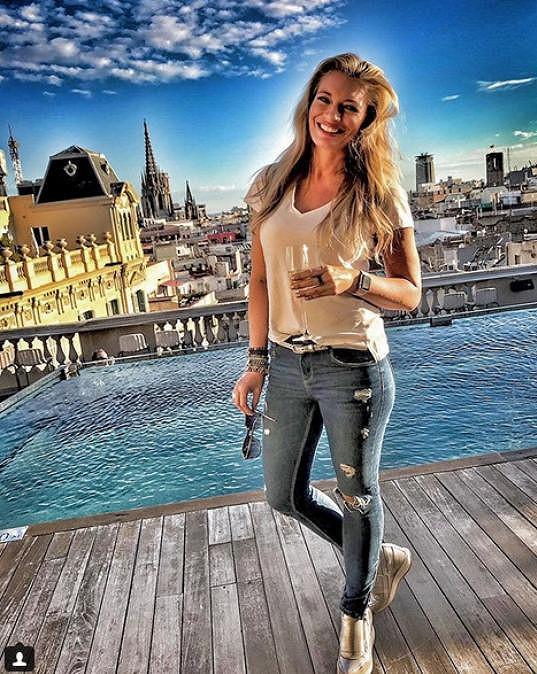 Navštívila Barcelonu.