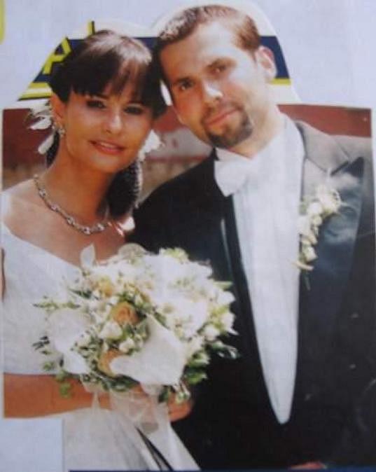 Monika Absolonová se před třinácti lety provdala za hokejistu Václava Eiselta. Manželství ale nevydrželo.
