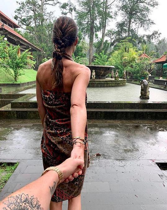 Marešovi se chystají na dešťový rituál.