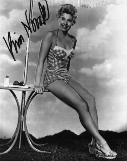 Herečka na archivním snímku z roku 1955
