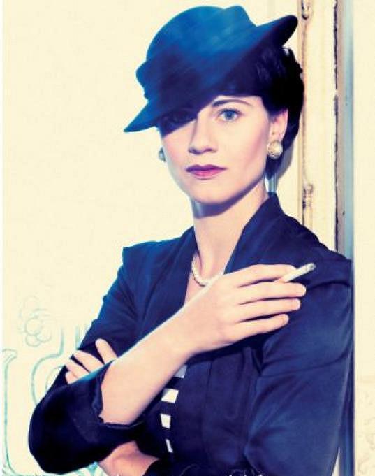 Zde je za Coco Chanel. Se stylingem jí pomáhala kloboučnice Libka Safr.