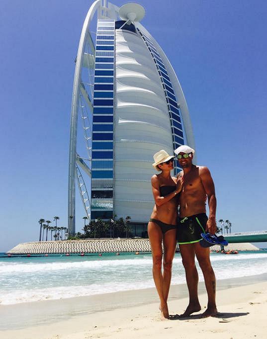 S Milanem Barošem si užívají v Dubaji.