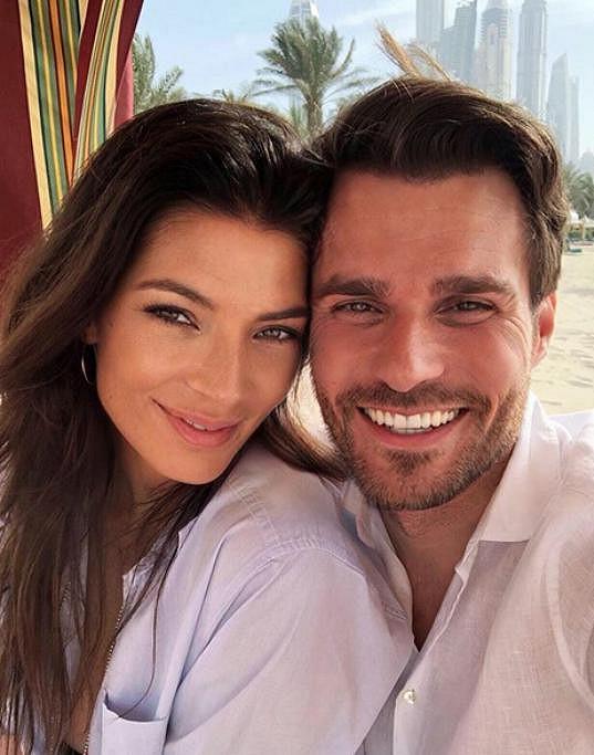 Leoš Mareš se nedávno vrátil z líbánek v Dubaji, které si dopřával s manželkou Monikou.