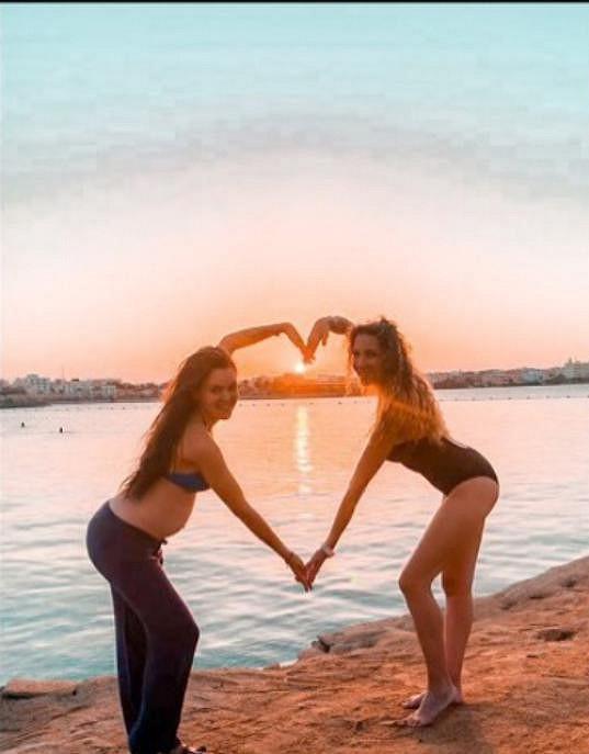 Lilia je v Egyptě s kamarádkou Olgou Lounovou.