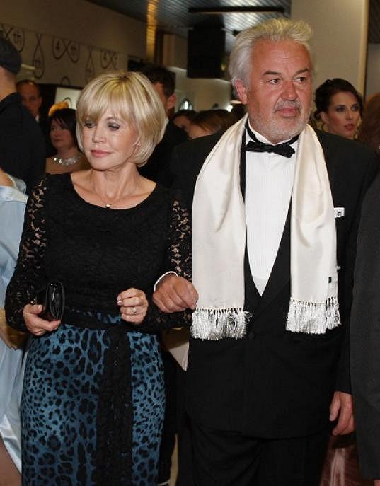 Jana s manželem na zahajovacím ceremoniálu v hotelu Thermal.