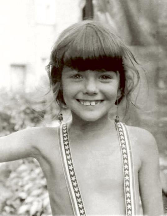 Takto vypadala v dětství.