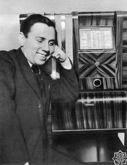 Jaroslav Ježek byl jedinečný mistr improvizace.