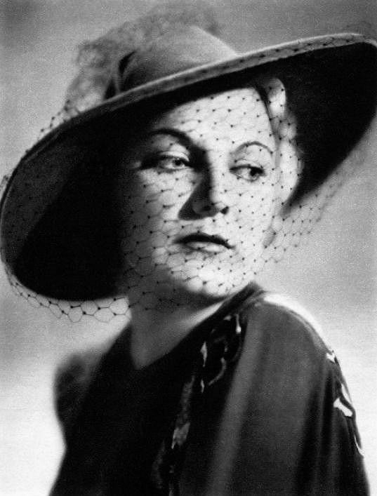 Jiřina Štěpničková byla úspěšnou herečkou.