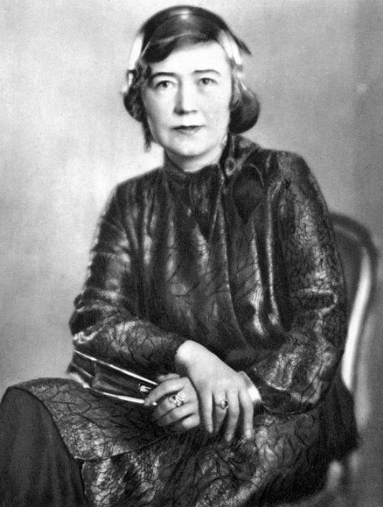 Růžena Šlemrová hrála skvěle dámy z vyšší společnosti, maminy i intrikánky.
