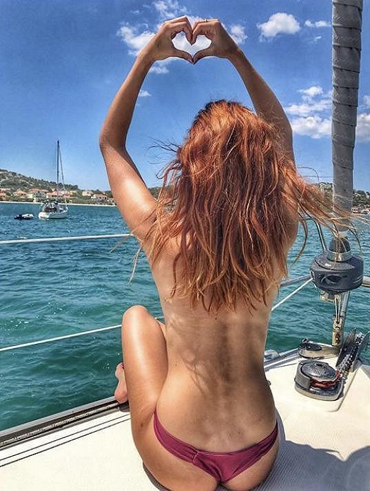 Lucie Kovandová a její relax na jachtě