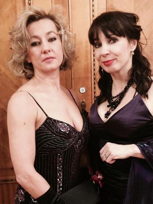 Vanda Hybnerová našla útěchu po rozchodu se Sašou Rašilovem u své kamarádky Nely Boudové.