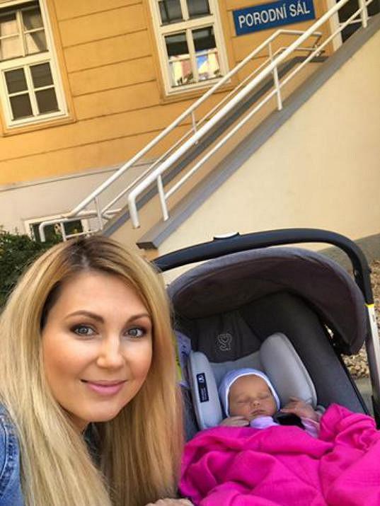 Moderátorka rodila přirozenou cestou v porodnici v Brně.