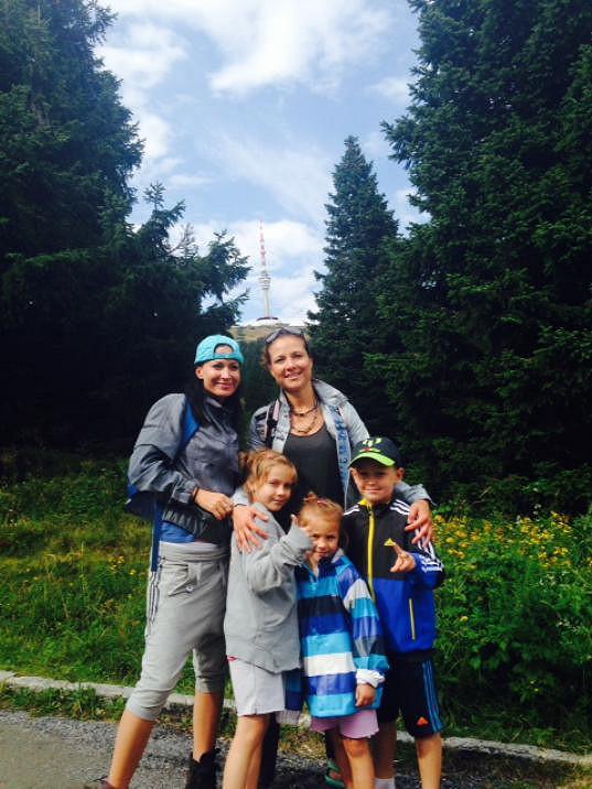 Do lázní vyrazila Gábina s Kristianem, kamarádkou Lenkou a jejími dcerami.