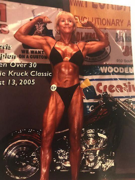 V padesáti se zúčastnila první soutěže a nepolevuje ani po sedmdesátce.