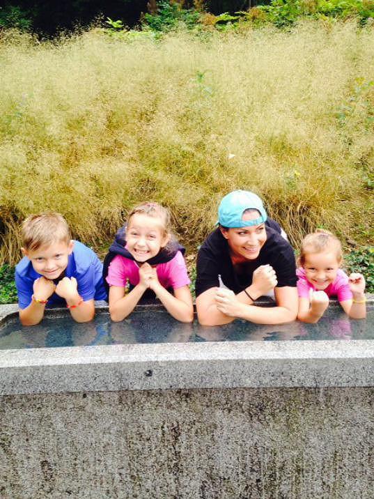 S Kristianem a dcerami své kámošky Sofií a Sarah