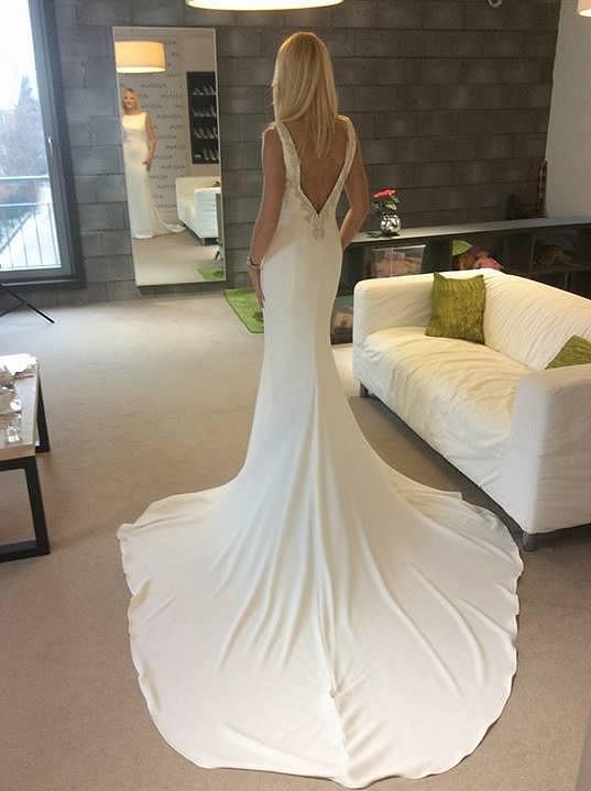 Na zkoušce svatebních šatů