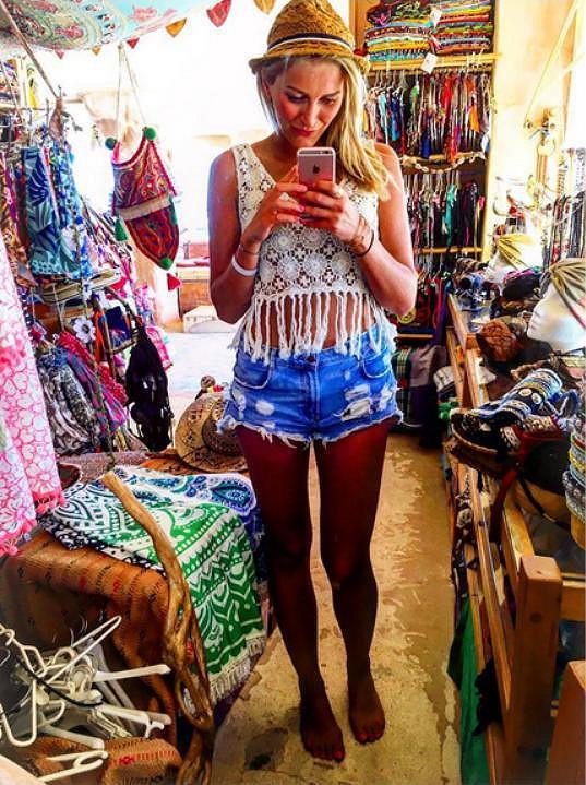 Návštěva hippie trhu v centru ostrova