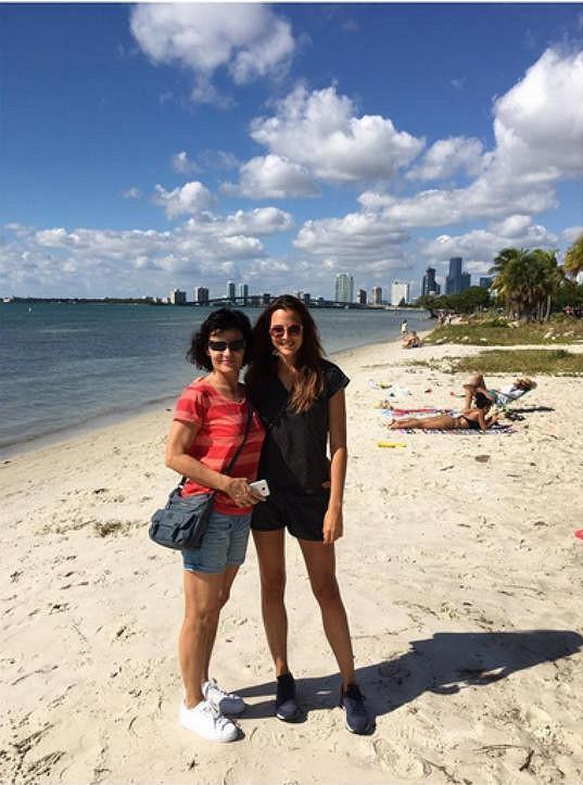 Na Miami navštívila Katku i její maminka.