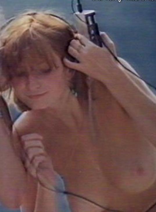 Dcera režisérky Věry Chytilové Tereza Kučerová se nahoře bez ukázala v jejím filmu Faunovo velmi pozdní odpoledne.