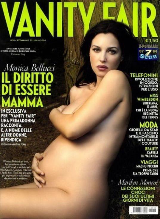 Odhalila se i s těhotenským bříškem.