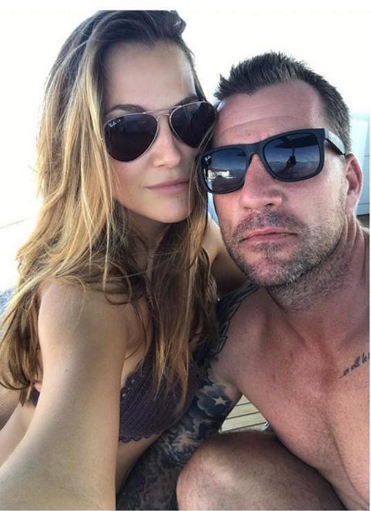 Svého přítele skrývá, zveřejnila ale jejich společnou fotku z dovolené prostřednictvím svého účtu na sociální síti Instagram.
