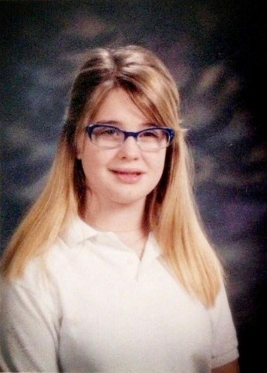 Z nevinné školačky vyrostla osobnost s pěkně prořízlou pusou.