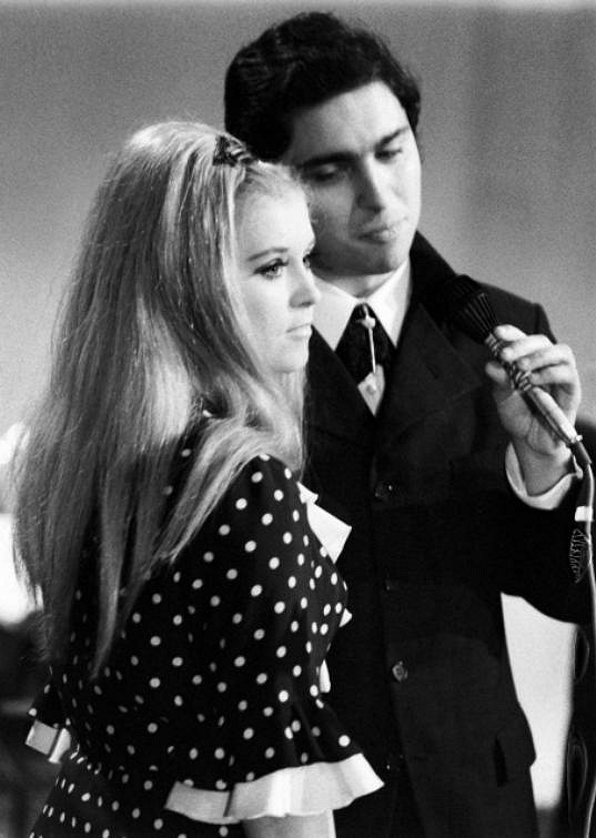 Valérie Čižmárová a Karel Bláha na pěvecké soutěži Děčínská kotva v roce 1969.