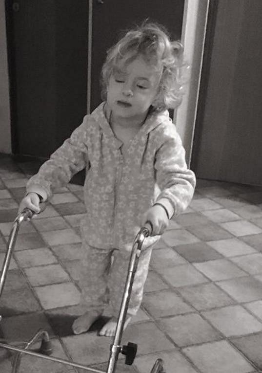 Nedávno ji po speciální operaci rozpohybovali.