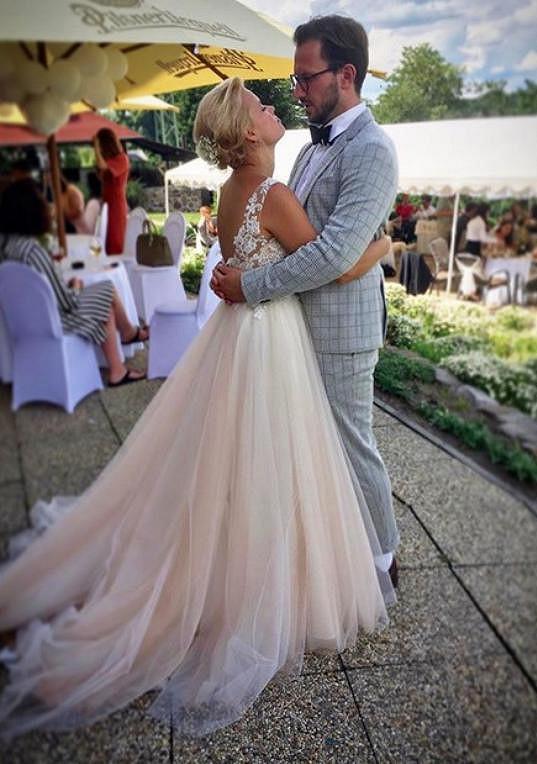 Novomanželé při tanci