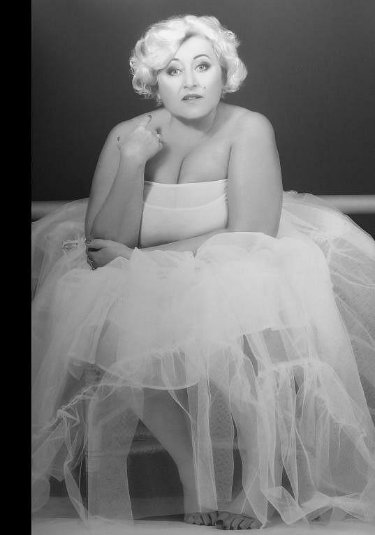 Halina Pawlowská jako Marilyn Monroe v kalendáři Proměny 2011.