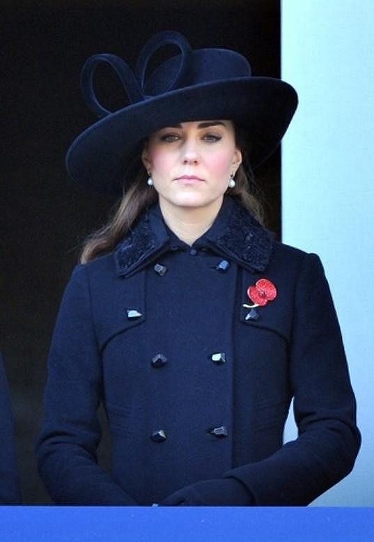 Eleganci vévodkyně napodobují tisíce Britek.