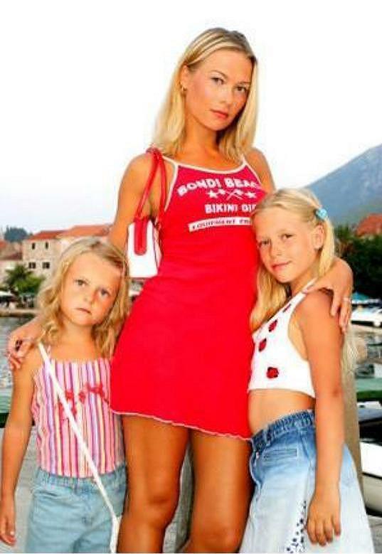 Natálie Myslivcová s dcerami Dominikou a Natálkou