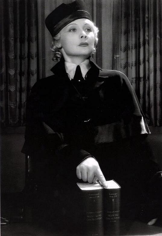Truda Grosslichtová ve filmu Advokátka Věra