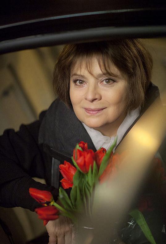 Libuše Šafránková ve filmu Přijde letos Ježíšek? (2013)