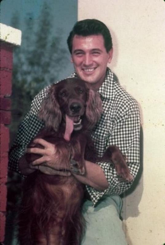 Rock Hudson se svým psím mazlíčkem v době, kdy byl na vrcholu.