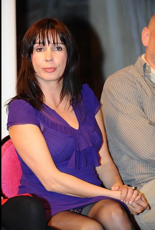 Nela Boudová ukázala nejen punčochy, ale také kalhotky