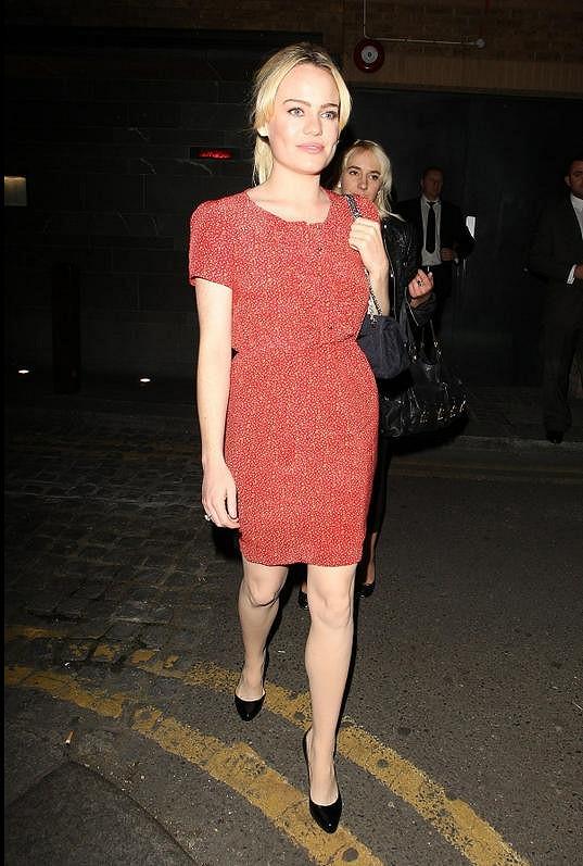 Duffy odchází z restaurace v centru Londýna.
