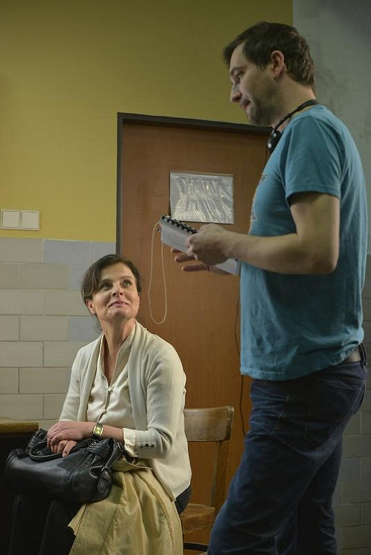 Herečka během natáčení s režisérem.
