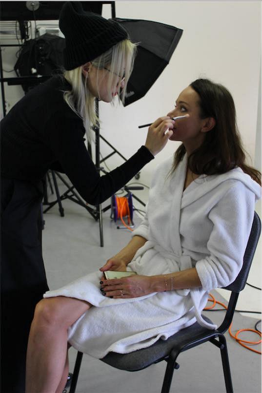 Úprava make-upu