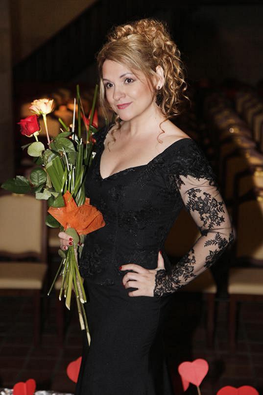 Pohublá a blonďatá Magda Malá na koncertě Srdeční záležitosti, který pořádá již deset let.
