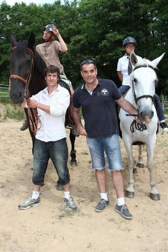 Oba jsou velcí koňáci.