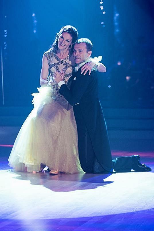 Šárka Kašpárková sice neukázala své nohy, ale i tak potěšila všechny diváky.