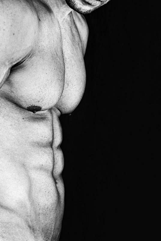 Testosteronem nabité fotky se fotografce povedly.