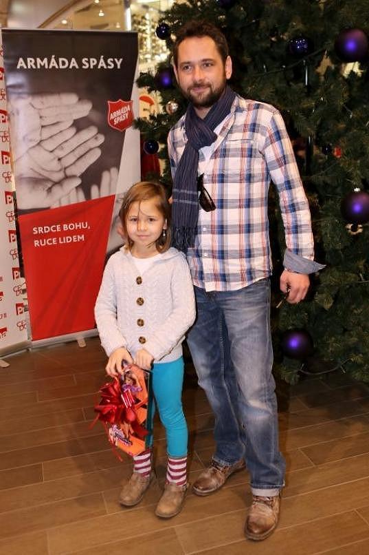 S dcerou podpořili charitativní akci pro Armádu spásy.