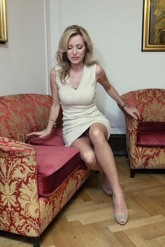 Také nádherné nohy.