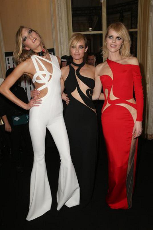 Karlie Kloss, Amber Valletta a Eva Herzigová v dlouhé verzi šatů