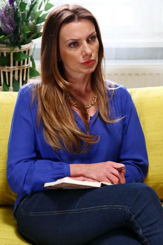 Alice momentálně hraje v seriálu Svatby v Benátkách.