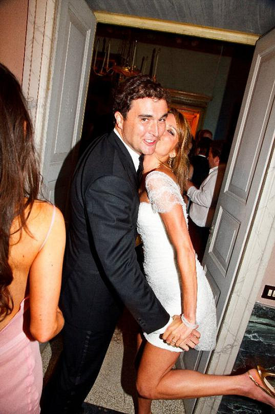 Gabriela žije s manželem v Londýně.