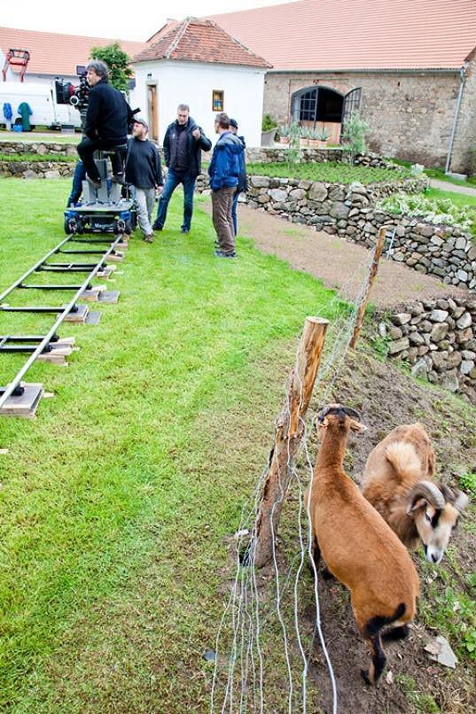 Jak je vidět, Roden na svém panství chová kozy.