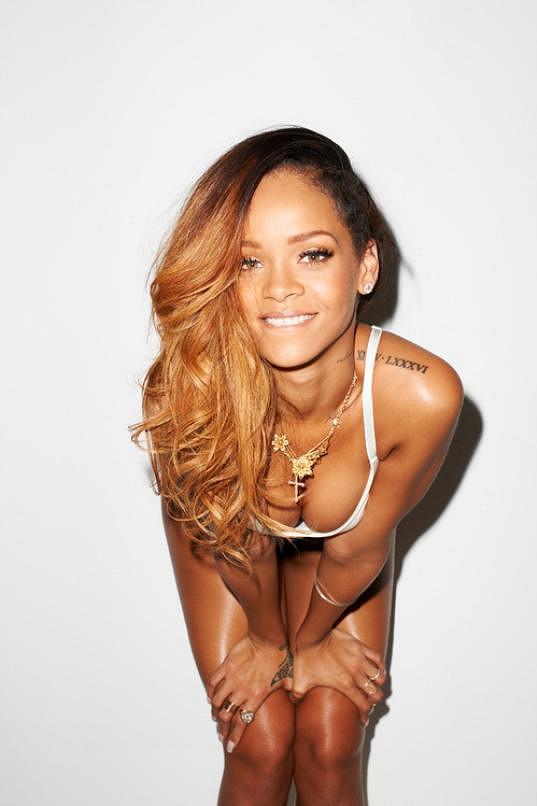 Rihanna miluje provokaci, a proto se v tomtéž duchu neslo celé focení.
